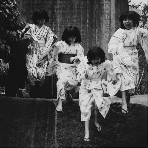 Waga Tokyo 100, Yushima. 1977 © Issei Suda